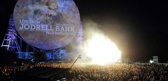 Gomez join Paul Weller at Live From Jodrell Bank