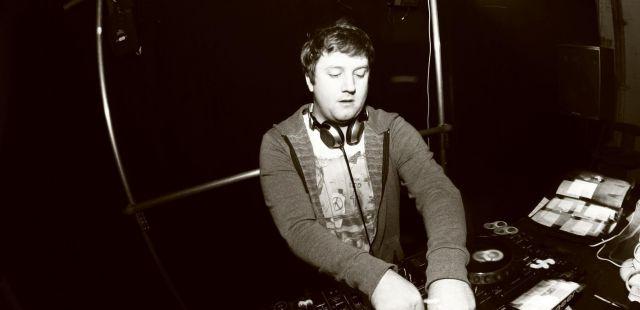 Skiddle Mix 022 - Noisy Audio (Motion presents)