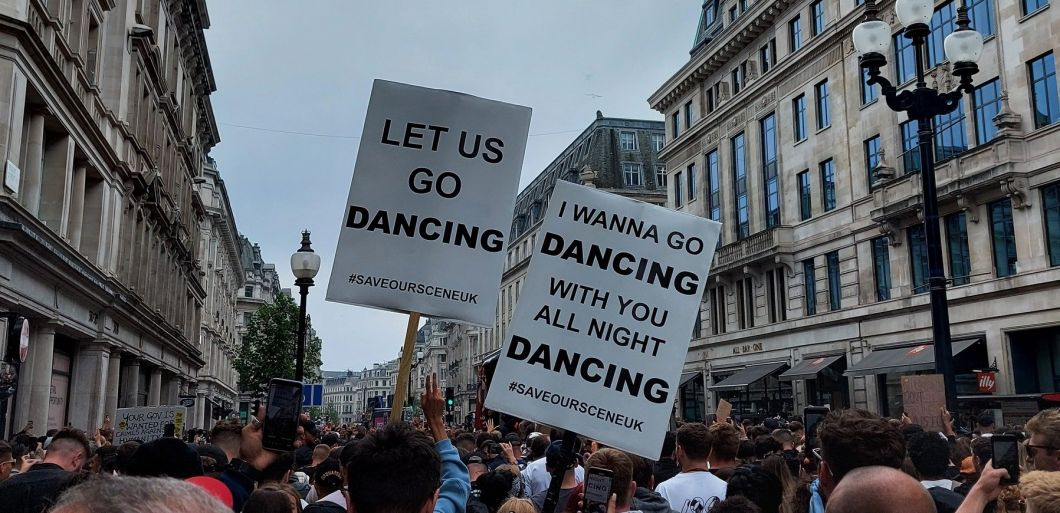 Freedom to Dance: Protestors rave against COVID restrictions in London