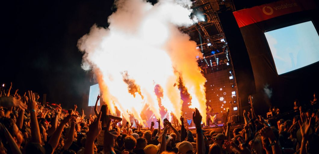 Thousands attend non-socially distanced NYE parties in New Zealand