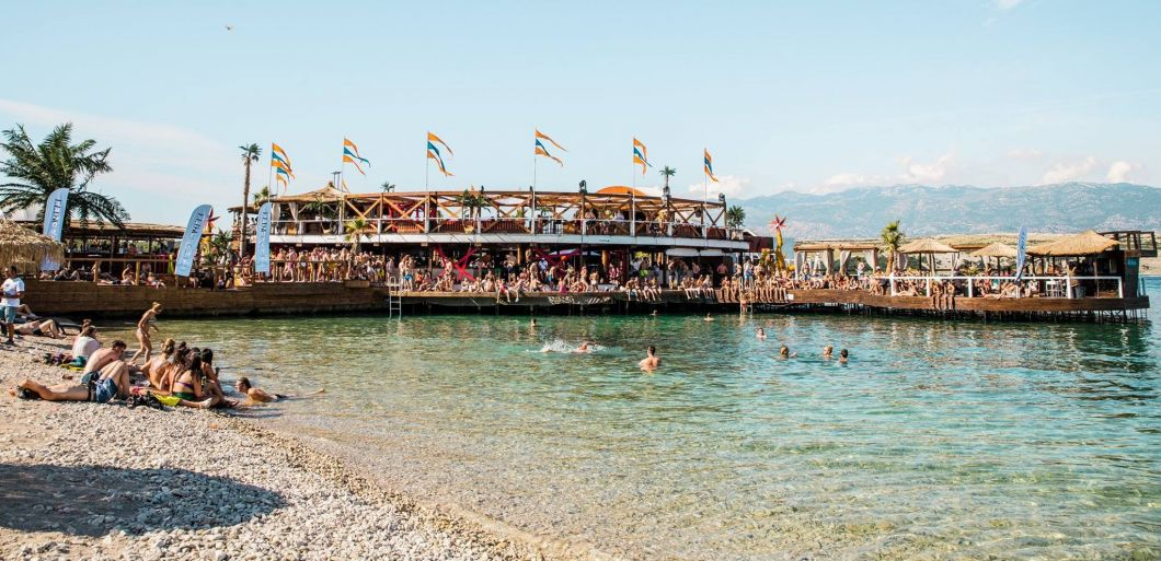 10 Top Tips for Festivals Abroad