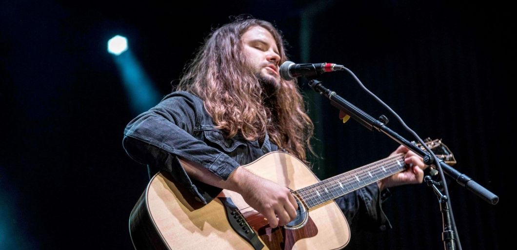 Folk singer and guitarist Brent Cobb comes to Hare and Hounds