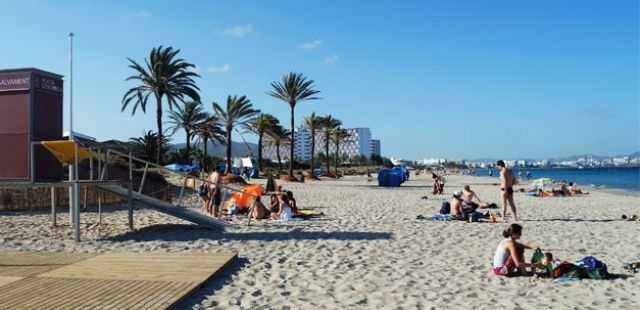 Ibiza Beach Guide: Playa D''en Bossa